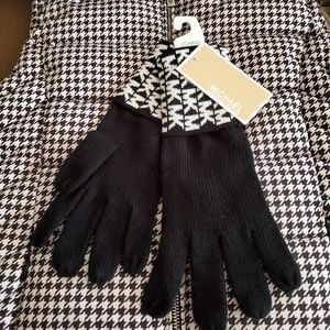 MK Black & White Knit Monogram Initial Gloves